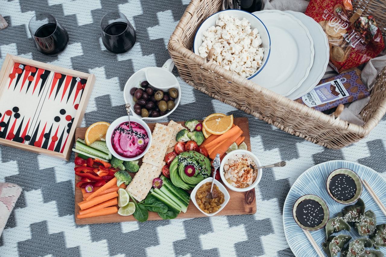 Alles für ein gesundes Picknick - Fit durch den Tag